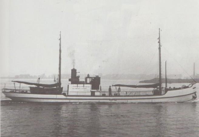 Hans 2 Eel boat 001