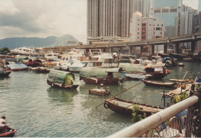 HK Harbour Contrasting Lifestyles 001